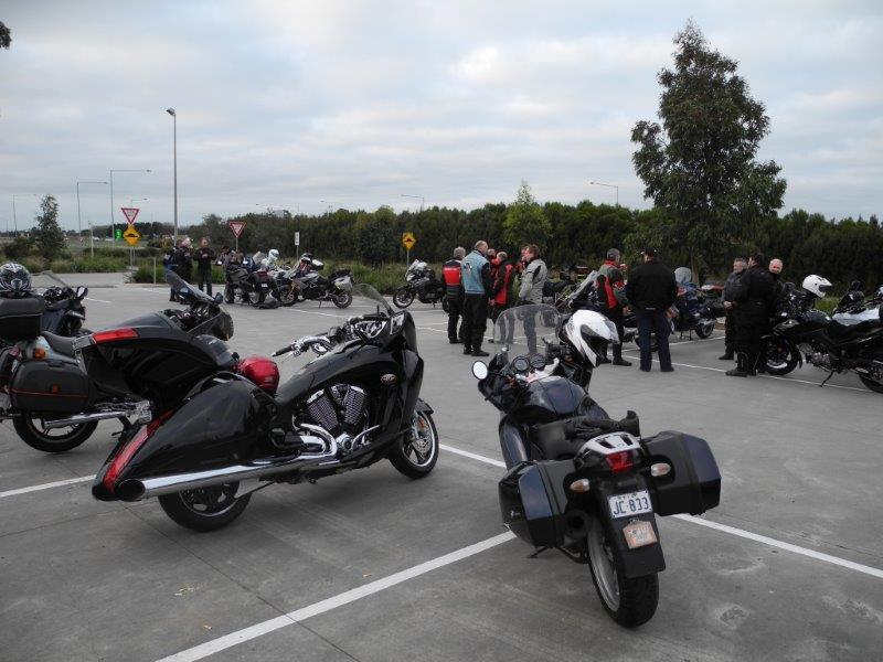 A wide variety of bikes at the start in Officer 2015