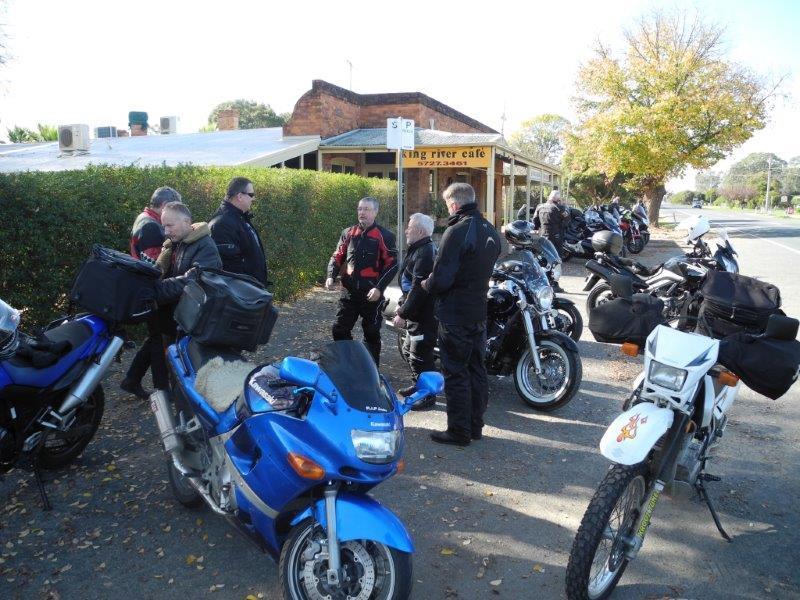 Morning tea stop at Oxley 2015
