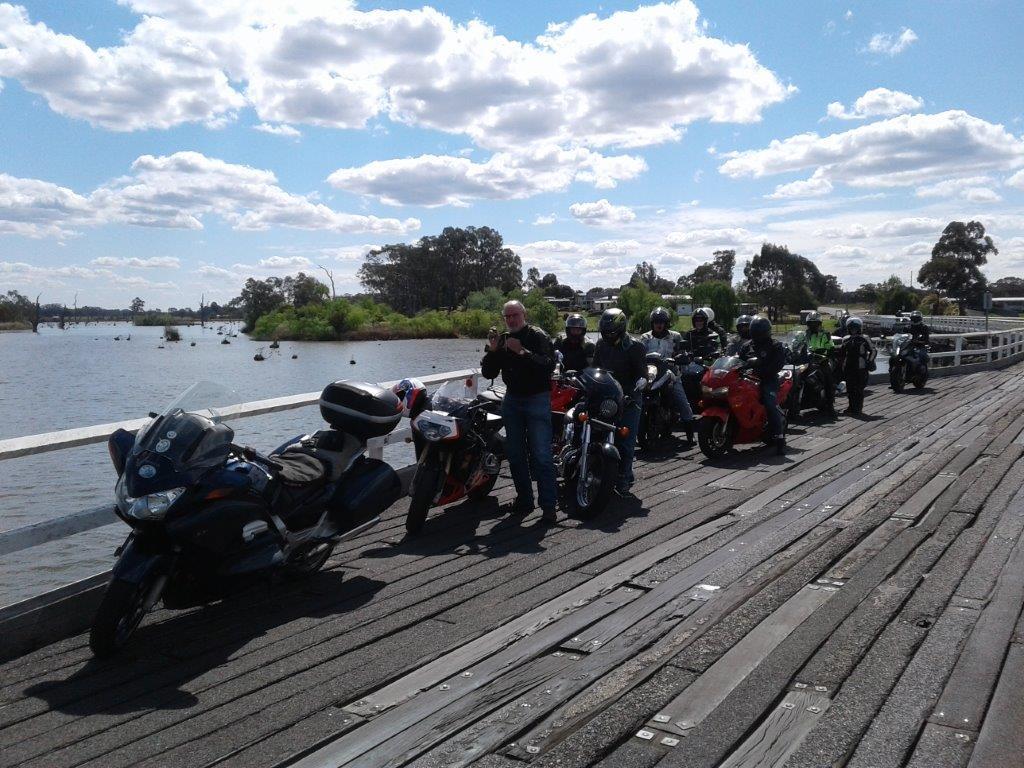 A brief stop on Kirwans Bridge