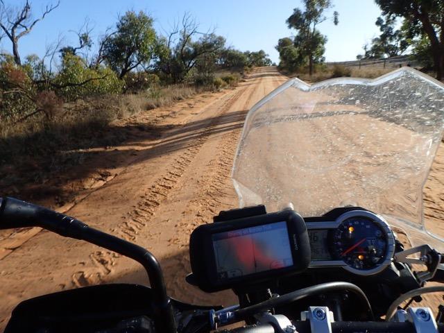 Border track SA